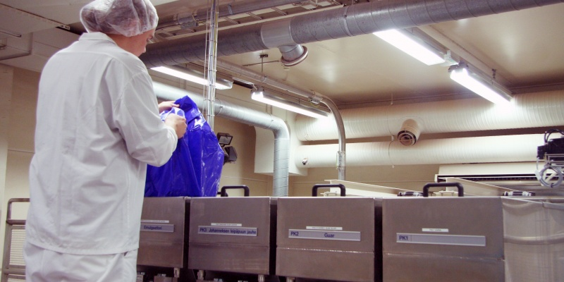 Effective dust extraction eliminates dust emissions when filling the containers