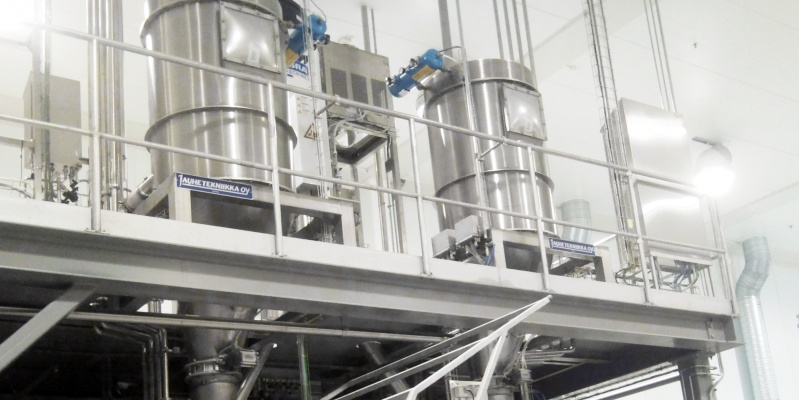 Scale hoppers for bakery ingredients
